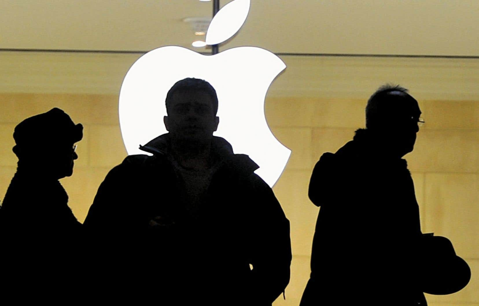 Apple a pris la première place au palmarès des marques les plus puissantes. Mais, l'an prochain, l'entreprise devra surveiller son rival Samsung.