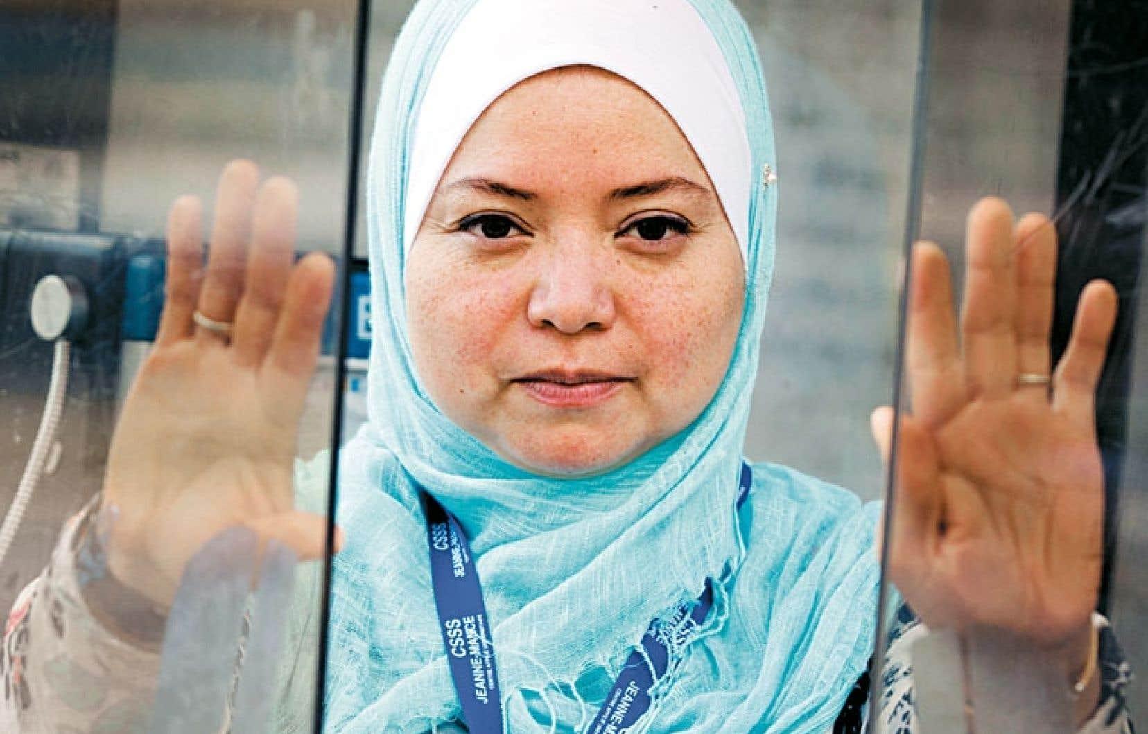 Marlene Figueroa ne quittera pas son travail si la Charte était adoptée. Pas plus qu'elle ne retirera son voile.