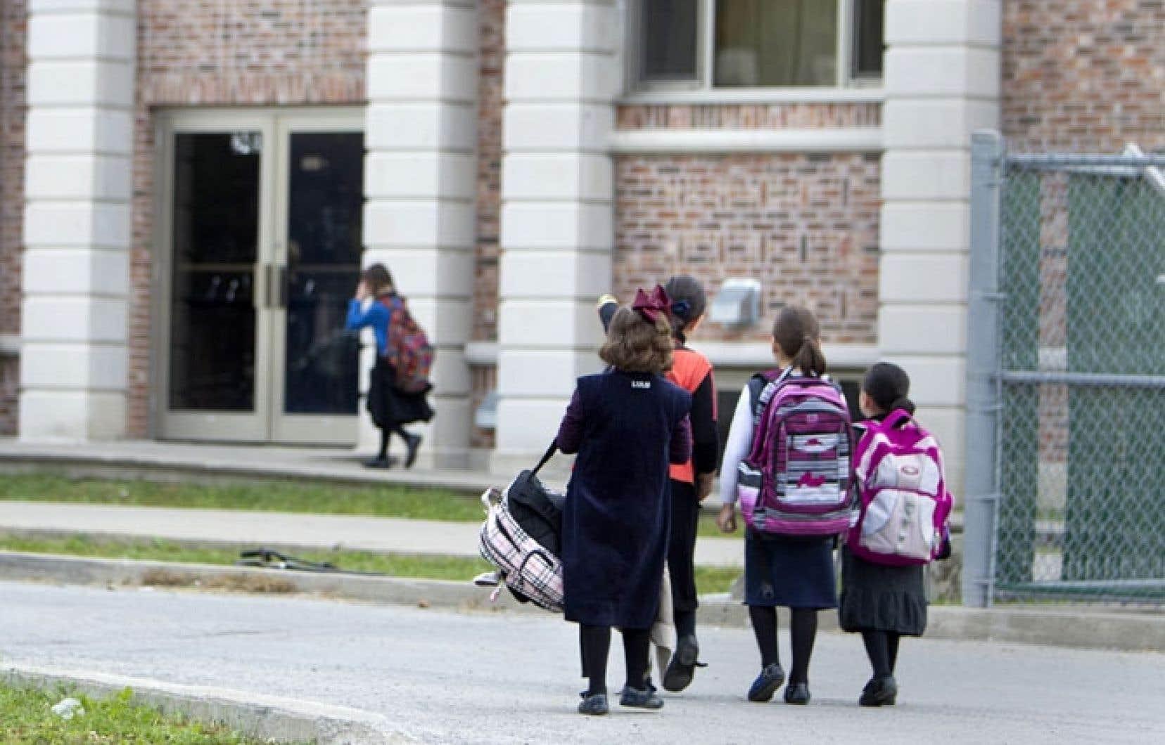La ministre de l'Éducation a réagi jeudi au cas d'une école juive qui opère sans permis dans Boisbriand.