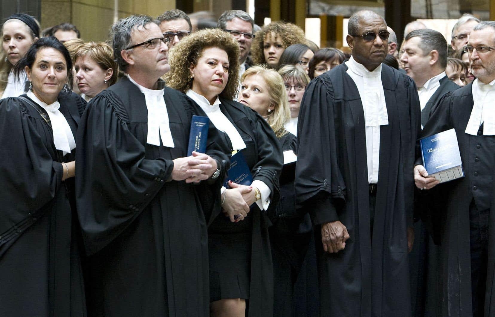 Le nouveau code de déontologie des juristes sera forgé autour du droit actuel.