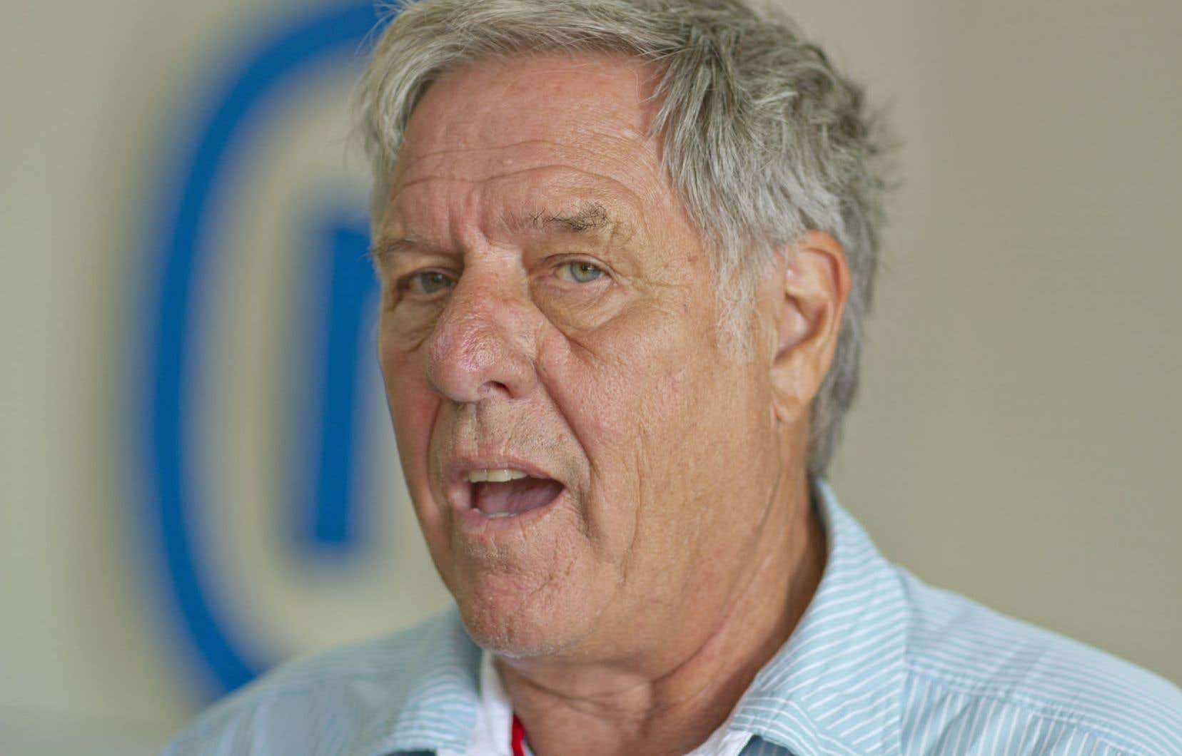 Le président du Nouveau Mouvement pour le Québec, Pierre Curzi, croit que l'intervention d'Ottawa a ranimé la ferveur souverainiste. Un congrès indépendantiste est prévu en mars.