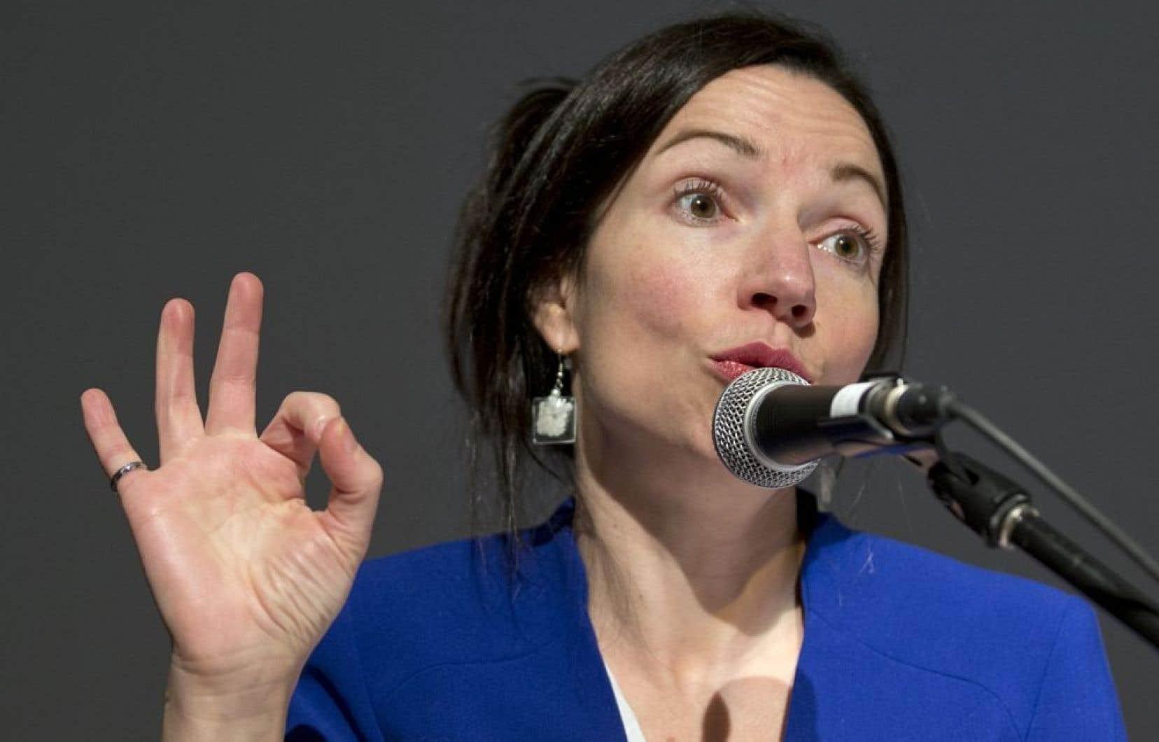 <p>La ministre des Ressources naturelles, Martine Ouellet, dont le projet de r&eacute;forme avait &eacute;t&eacute; critiqu&eacute; tant par l&rsquo;opposition que par le lobby minier, s&rsquo;est dite d&eacute;&ccedil;ue de l&rsquo;attitude de l&rsquo;opposition.</p>