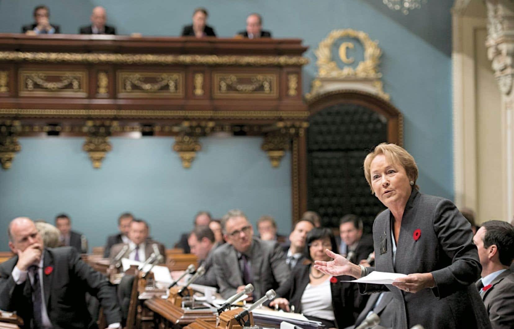 Pauline Marois : « Nous sommes en discussion avec Alcoa, et ce, au plus haut niveau. […] C'est une industrie majeure très importante pour le Québec. Elle est ici depuis longtemps. Elle y est pour y demeurer. »