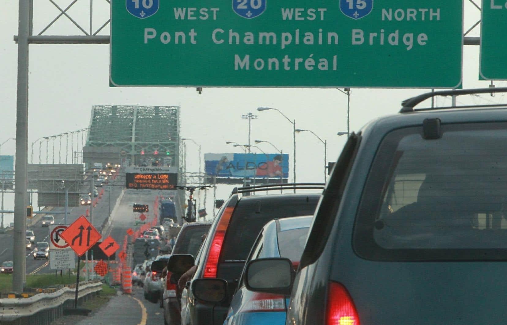 La fermeture de cette voie aura une incidence extrêmement importante sur la circulation. La société qui gère le pont reconnaît dans son communiqué que «les autres ponts de la Rive-Sud ne pourront pas compenser pour cette fermeture d'une voie».