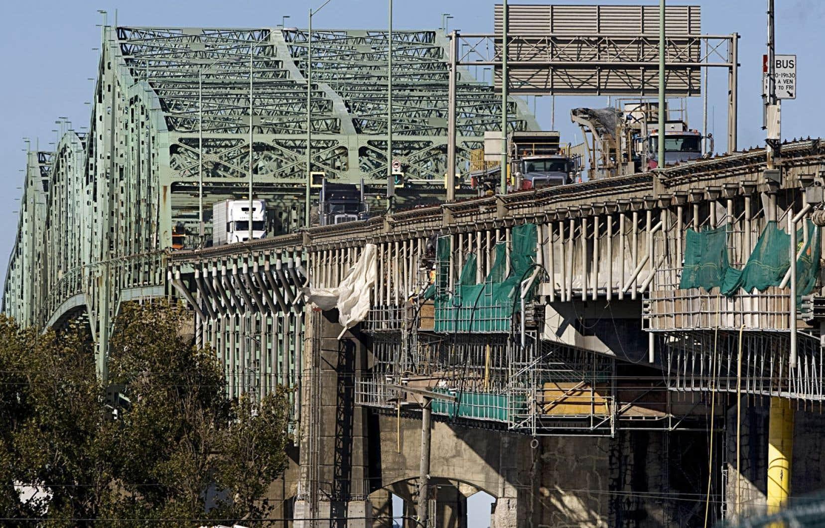 La société des ponts Jacques-Cartier et Champlain encourage l'usage du transport collectif et du covoiturage pendant la durée des travaux.