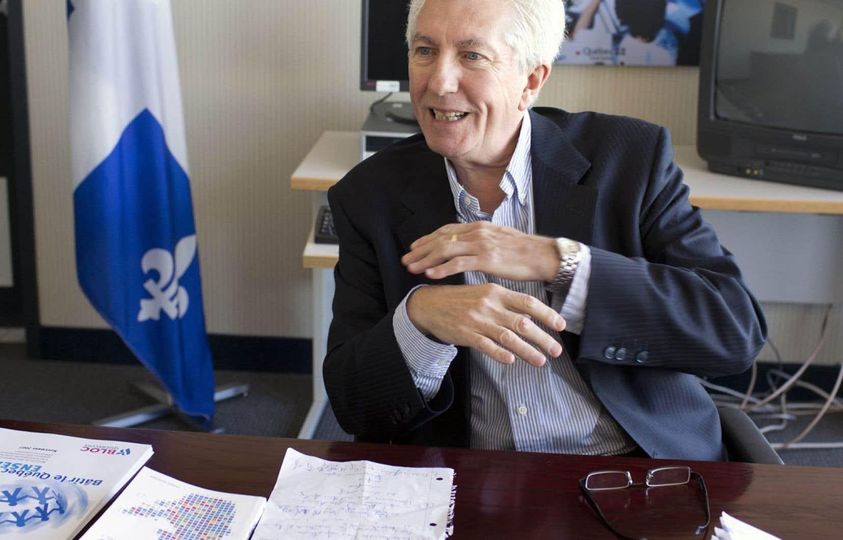 Gilles Duceppe affirme ne pas lancer d'attaque frontale contre le PQ et revendique le droit de s'exprimer.