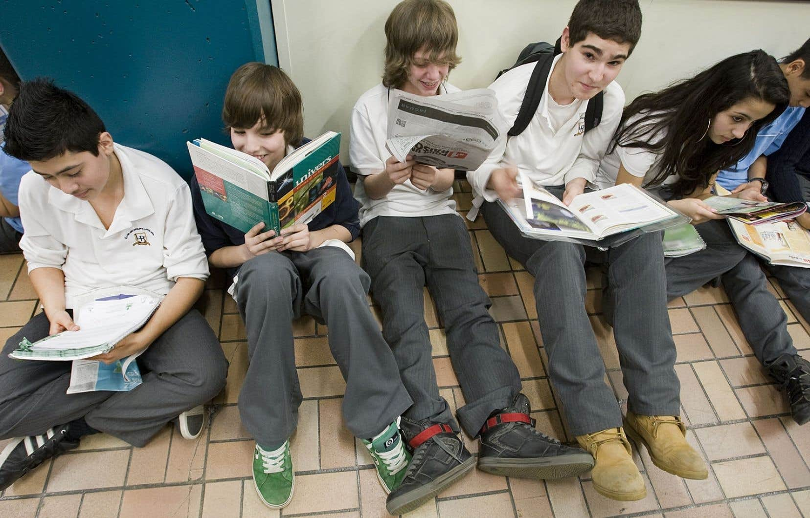 Les élèves québécois demeurent dans le peloton de tête pour leurs compétences en lecture, même s'ils ont perdu quelques rangs.