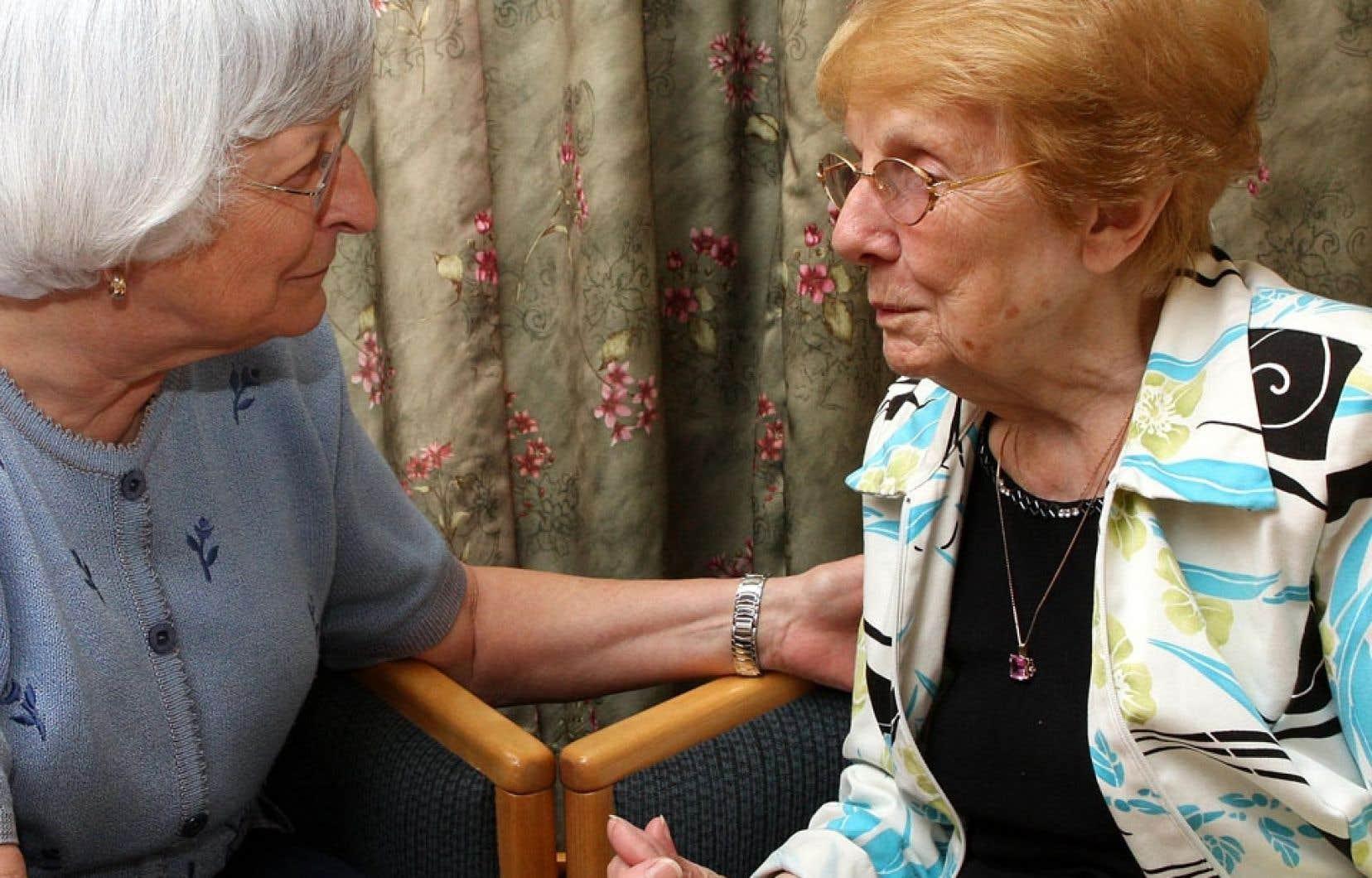 Actuellement, on diagnostique la maladie d'Alzheimer lorsque les personnes présentent des problèmes cognitifs ayant un impact sur le fonctionnement de leur vie de tous les jours, souligne Sylvie Belleville, directrice de la recherche de Institut universitaire de gériatrie de Montréal.