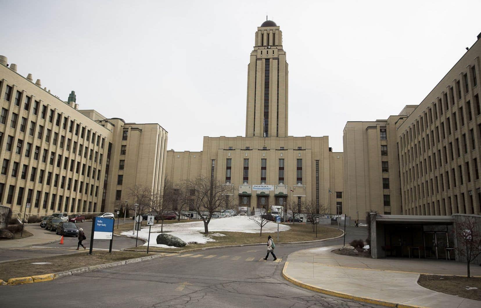 Contrairement à plusieurs universités qui se sont positionnées la semaine dernière, l'Université de Montréal s'est montrée peu bavarde dans le débat sur la laïcité et prépare un mémoire sur le sujet.