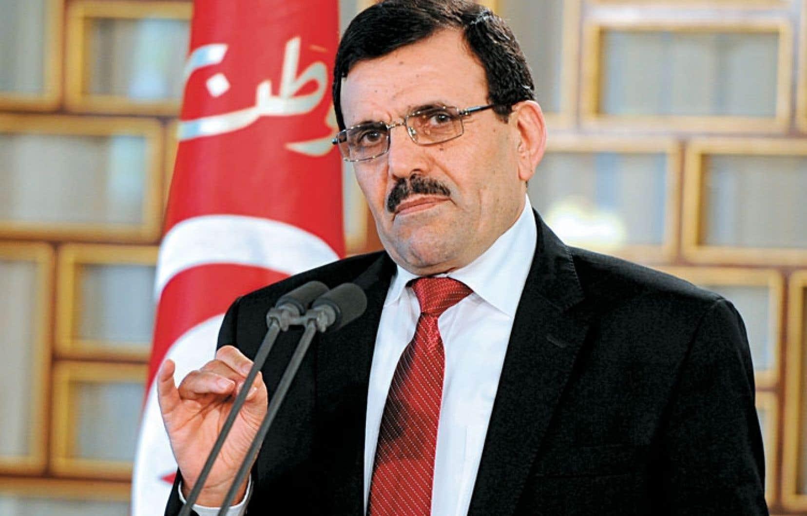 Ali Larayedh s'est retiré, conformément aux termes de l'accord de sortie de crise. Le ministre sortant de l'Industrie devrait le remplacer.