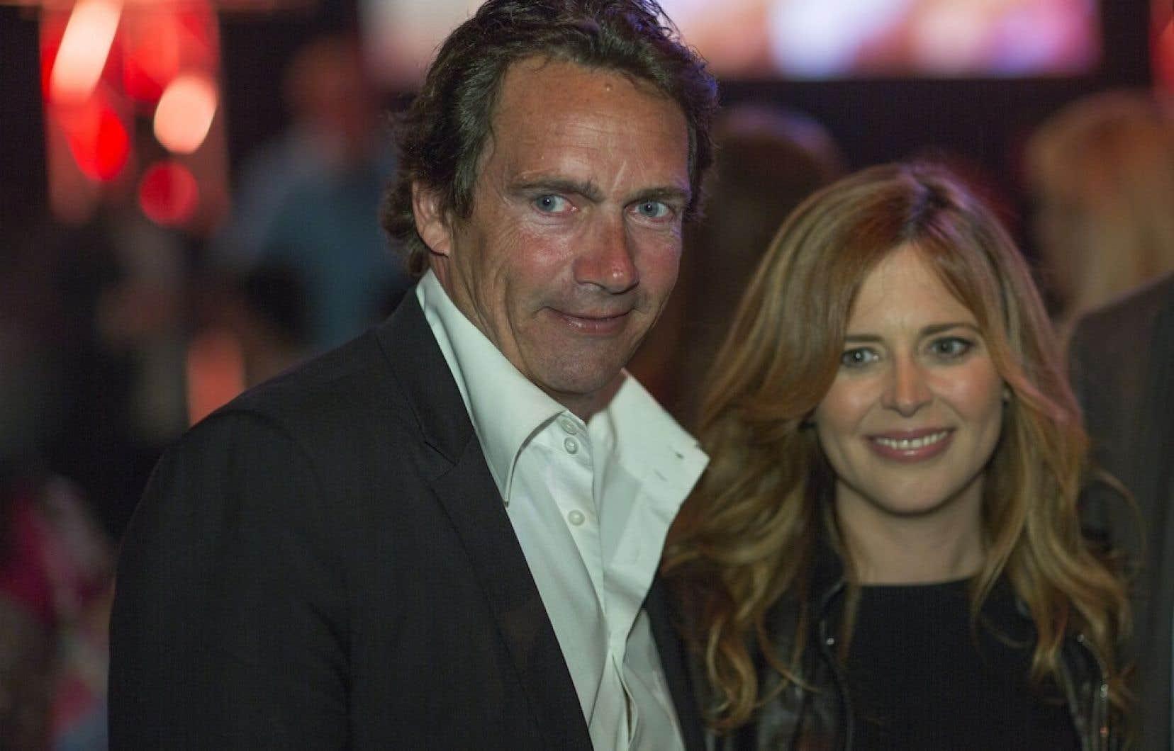 Pierre Karl Péladeau et l'animatrice et productrice de télévision Julie Snyder.