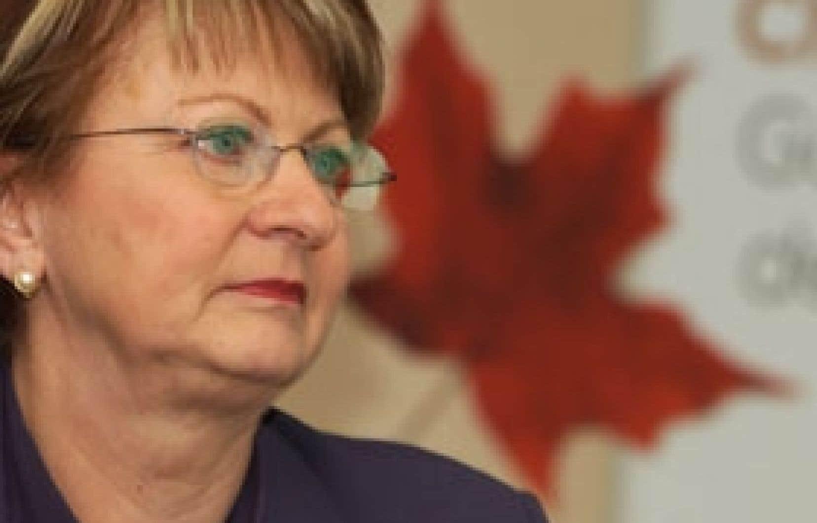 Lucienne Robillard a d'abord siégé à Québec, de 1989 à 1995, avant de se faire élire à Ottawa en 1995.