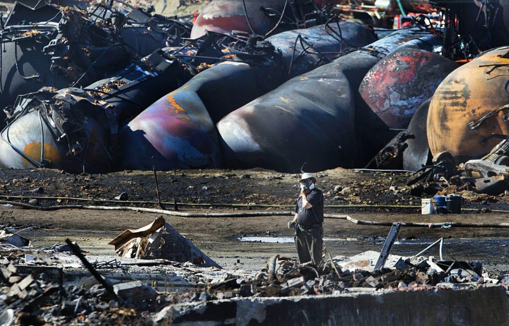 MMA a déclaré faillite après qu'un convoi comptant 72 wagons-citernes remplis de pétrole laissé sans surveillance eut déraillé et explosé à Lac-Mégantic.