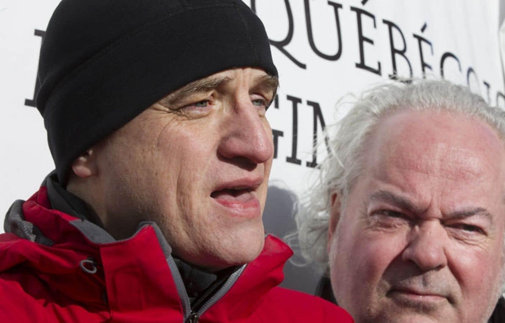 Le DrAlain Vadeboncœur, de MQRP, et Jacques Benoit, coordonnateur de la Coalition Solidarité Santé