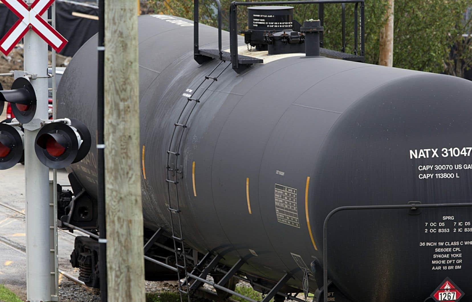 La requête mentionne que la tragédie de Lac-Mégantic ne serait pas arrivée si la World Fuel Services avait décrit la nature du brut transporté cette fois-là sur les étiquettes apposées sur les wagons.
