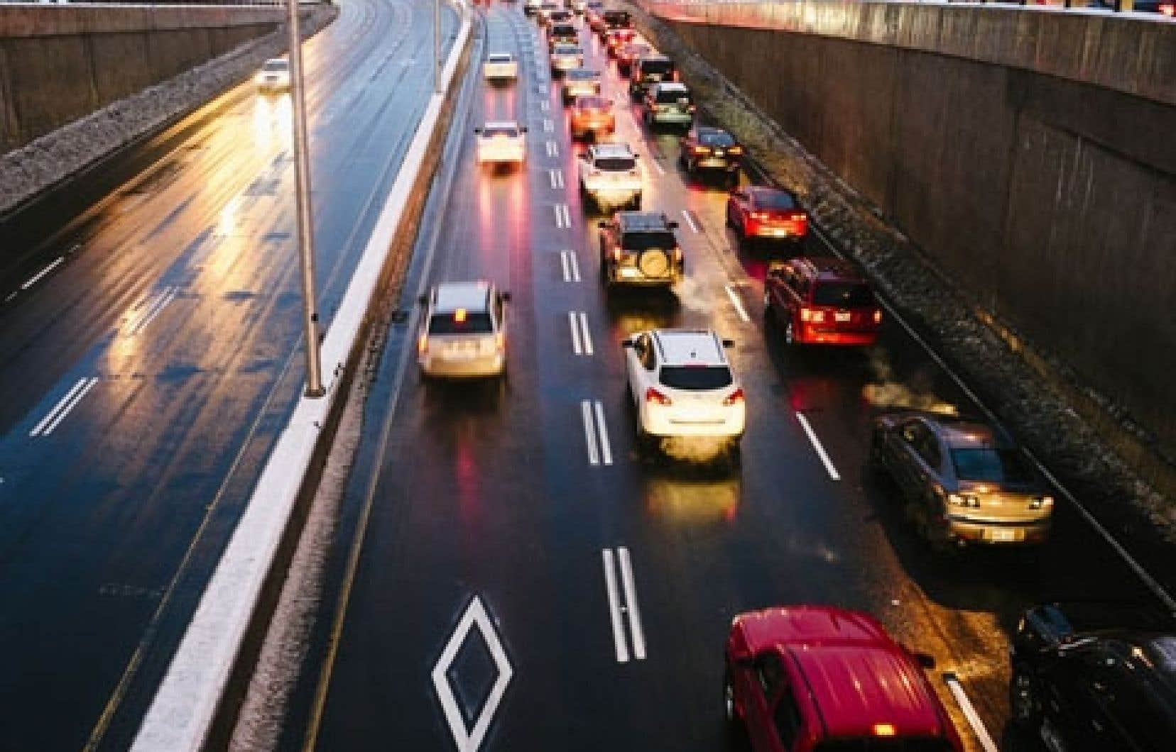 Le covoiturage ne cesse de gagner des adeptes, tandis que d'autres transporteurs font des pieds et des mains pour compenser leur nombre d'usagers en stagnation.