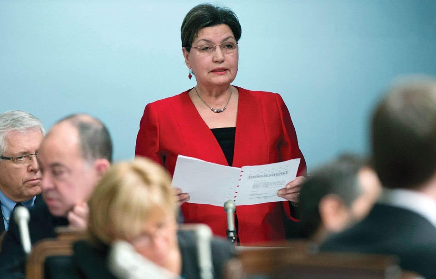 La députée indépendante de La Pinière, Fatima Houda-Pepin, a présenté son propre projet de loi sur la neutralité religieuse mercredi. Au cours d'un point de presse émotif, elle a mené une charge contre son ancien parti, le Parti libéral du Québec.