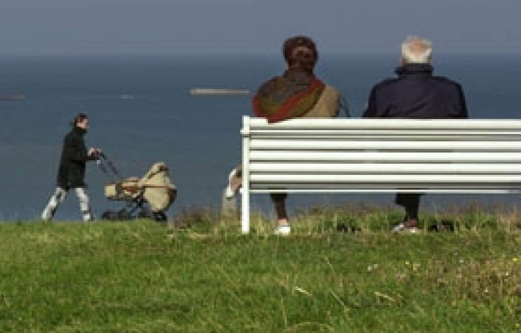 La vie des personnes âgées s'est considérablement transformée, créant une fracture entre «jeunes aînés» et «vieux aînés».