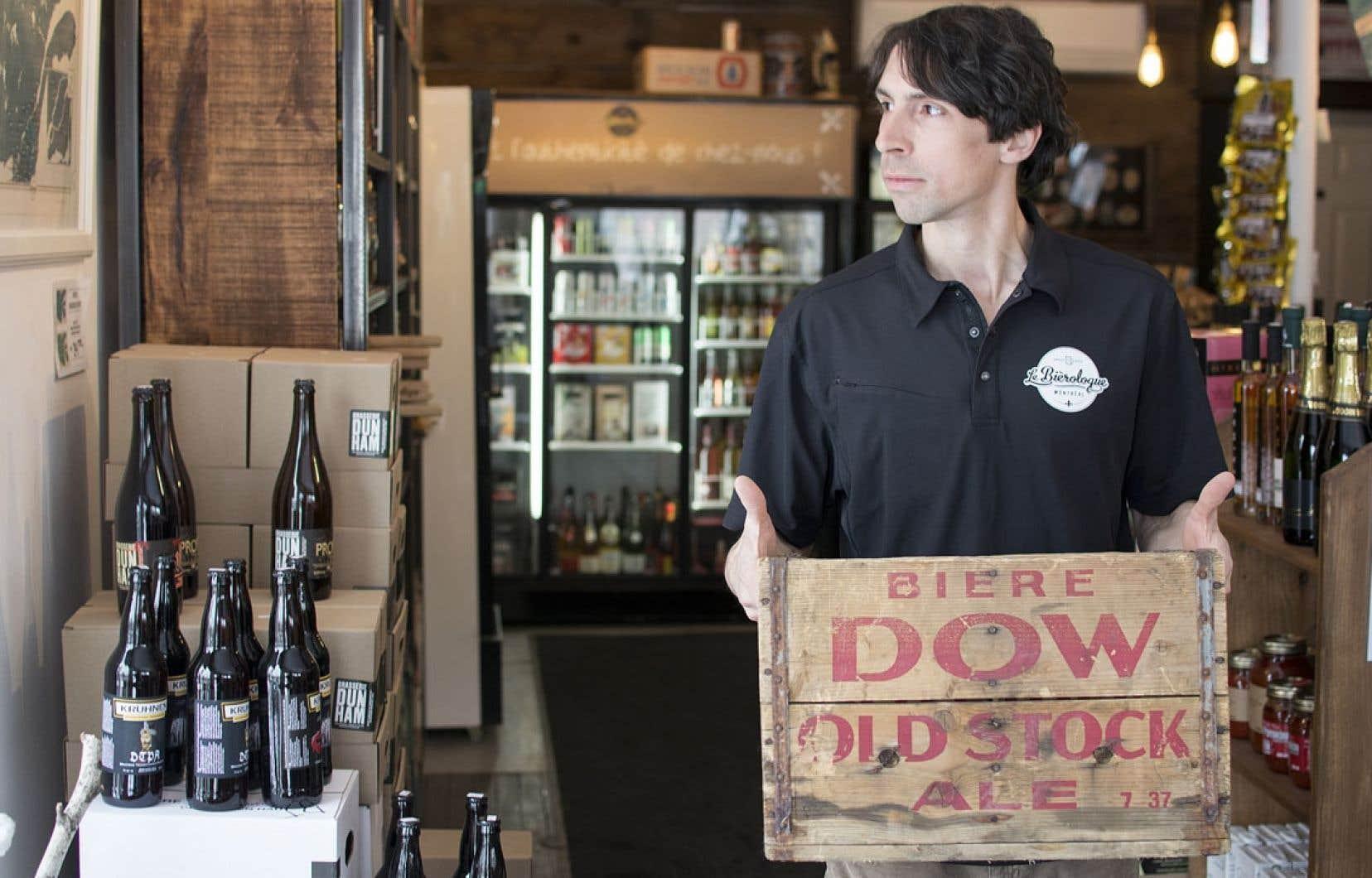 Le Bièrologue est un commerce mettant en vedette les brasseurs locaux et tout ce qui touche nos bières et nos cidres.