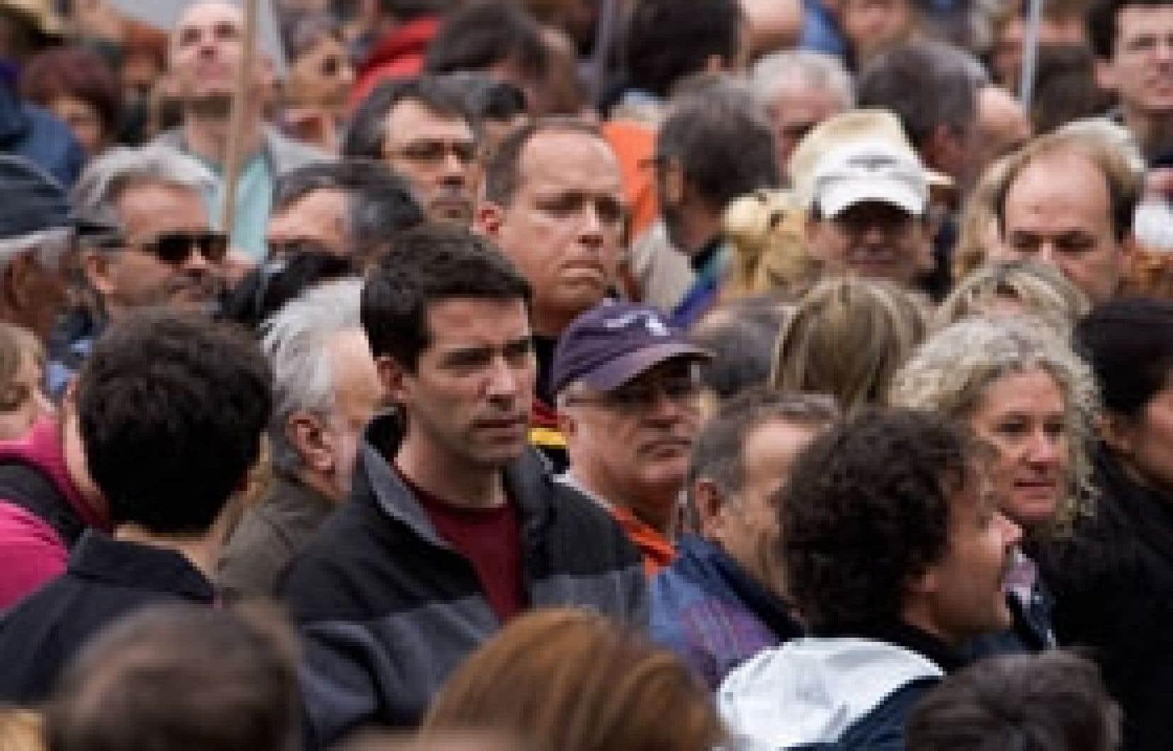 En avril 2006, André Boisclair participait à une grande manifestation contre la privatisation d'une partie du mont Orford. Plusieurs s'attendaient alors à ce qu'il annonce qu'un éventuel gouvernement du Parti québécois ne donne pas suite au