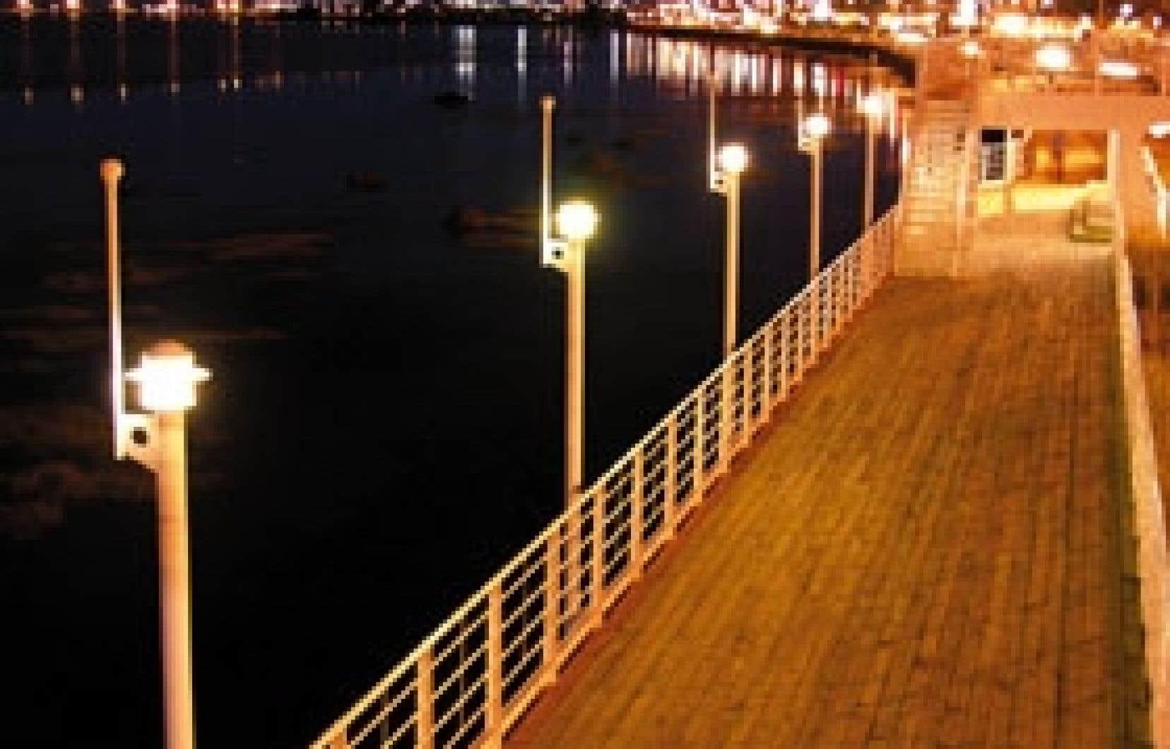 Tourisme Rimouski joue beaucoup sur la proximité du fleuve pour attirer le tourisme d'affaires.