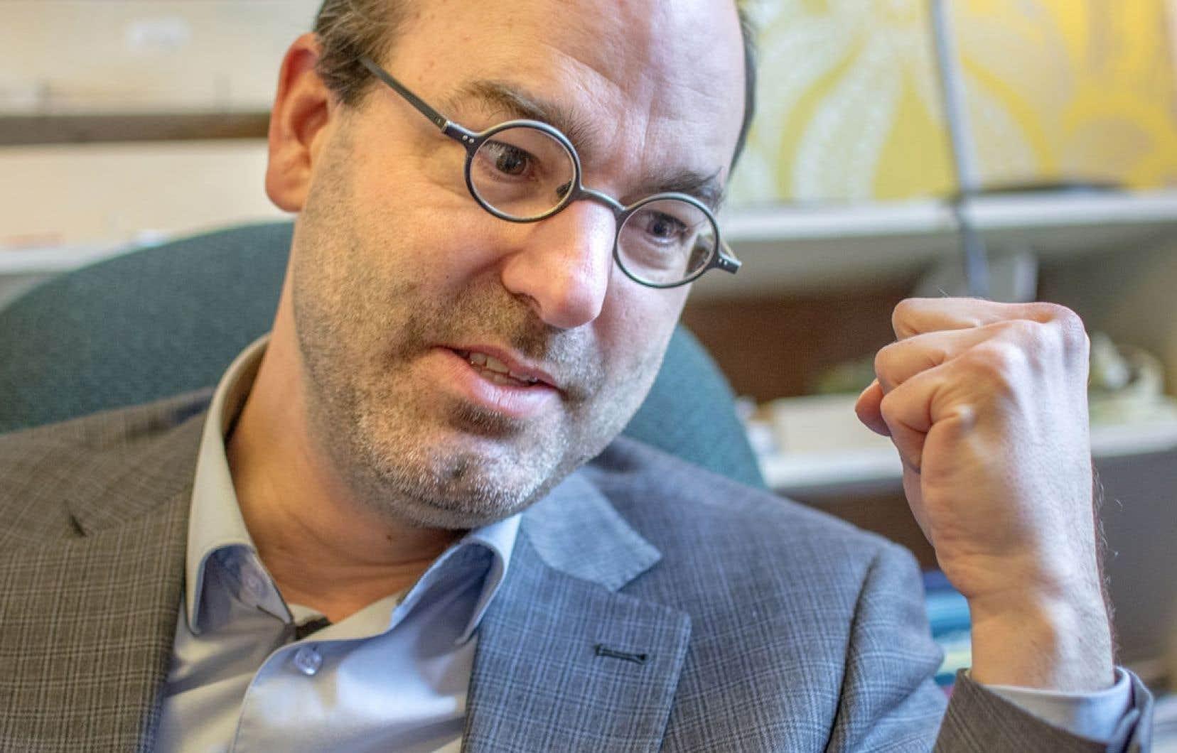 Alain Deneault est chargé de cours au Département de science politique à l'Université de Montréal.