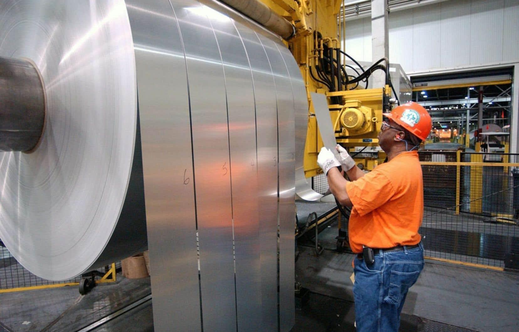 La fermeture des usines d'Alcoa à Baie-Comeau pourrait entraîner la perte de 900 emplois.