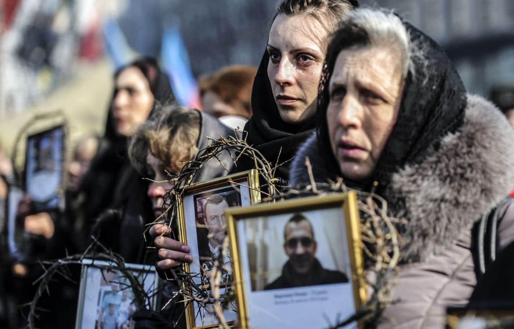 Kiev a été le théâtre mercredi d'une marche à la mémoire des manifestants décédés.