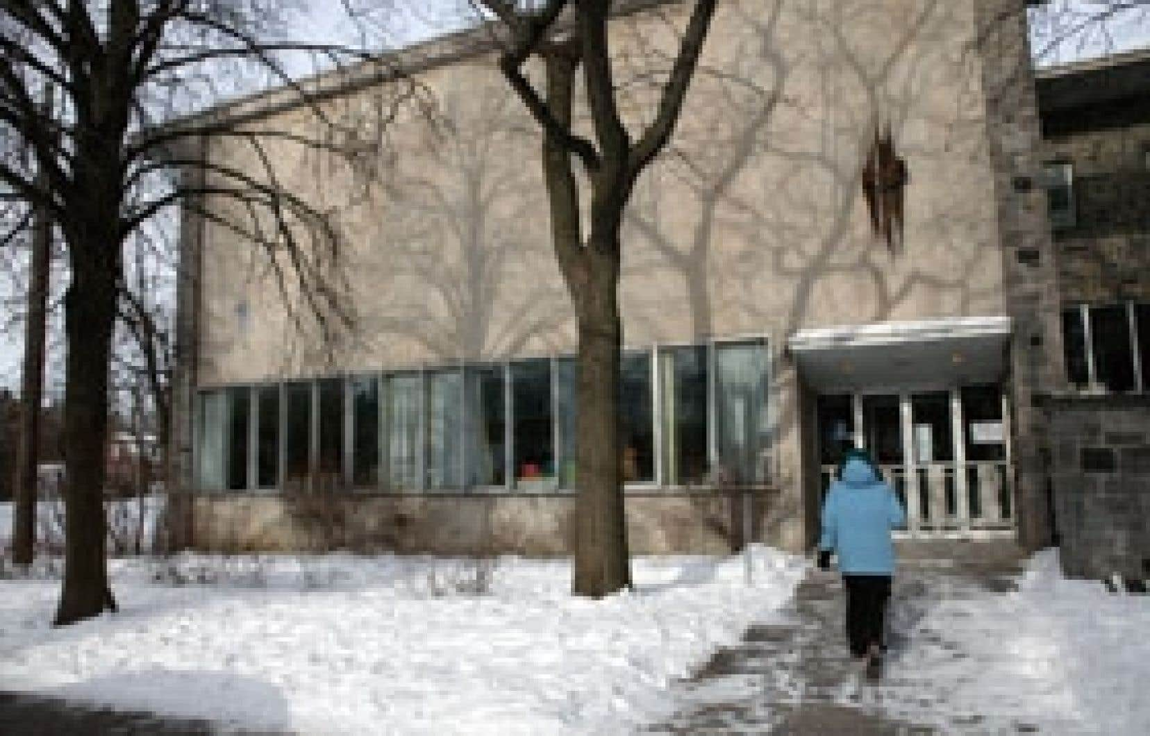 La plus ancienne bibliothèque gratuite de Montréal se bat encore pour demeurer dans son bâtiment actuel, mais tout indique un déménagement prochain.