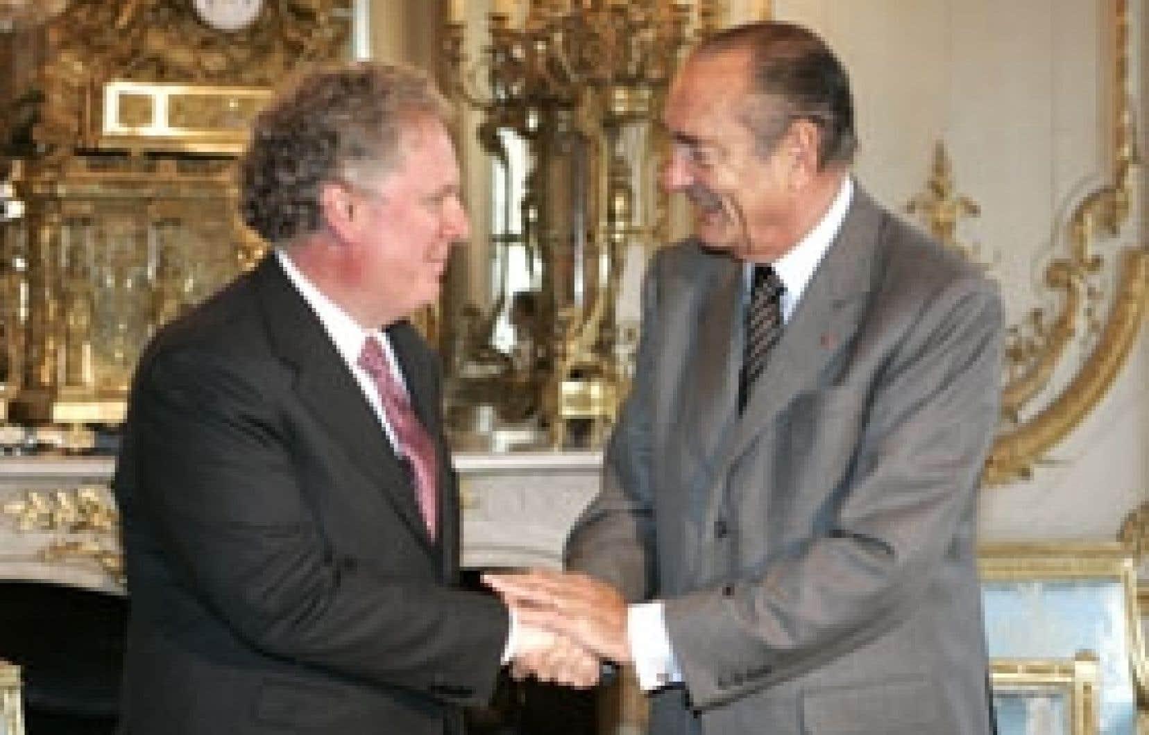 Reçu à l'Élysée au début du week-end par le président français Jacques Chirac, le premier ministre Jean Charest a été un des rares chefs de gouvernement à participer à la Conférence sur l'environnement convoquée par M. Chirac.