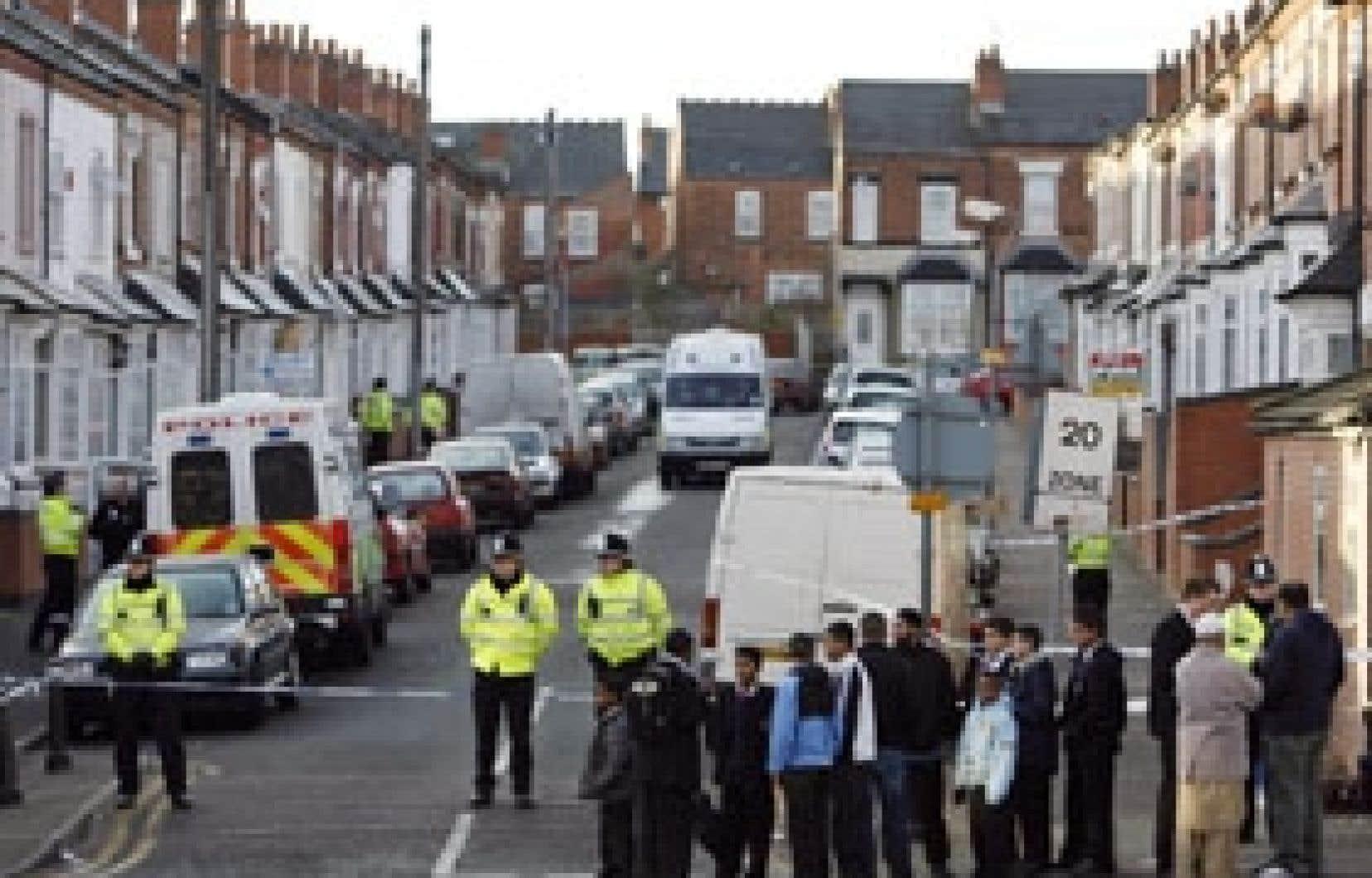 Certaines rues de Birmingham ont été fermées hier lors des perquisitions.