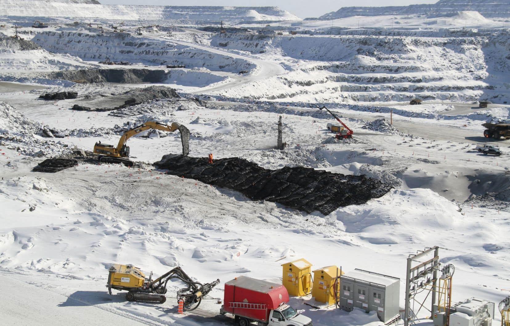 La mine à ciel ouvert d'Osisko à Malartic, en Abitibi-Témiscamingue, est la plus grande du genre en milieu habité au Québec.