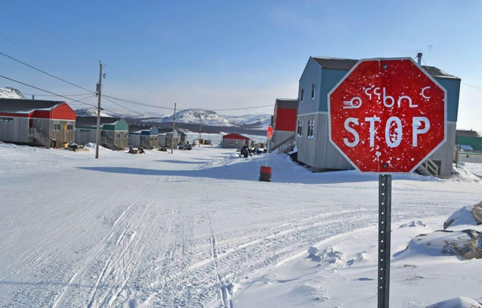 Kangiqsualujjuaq. Dans ce village de quelque 900 habitants, quatre cas de tuberculose confirmés sont présentement traités. La maladie est en hausse dans la région du Nunavik depuis 2007.