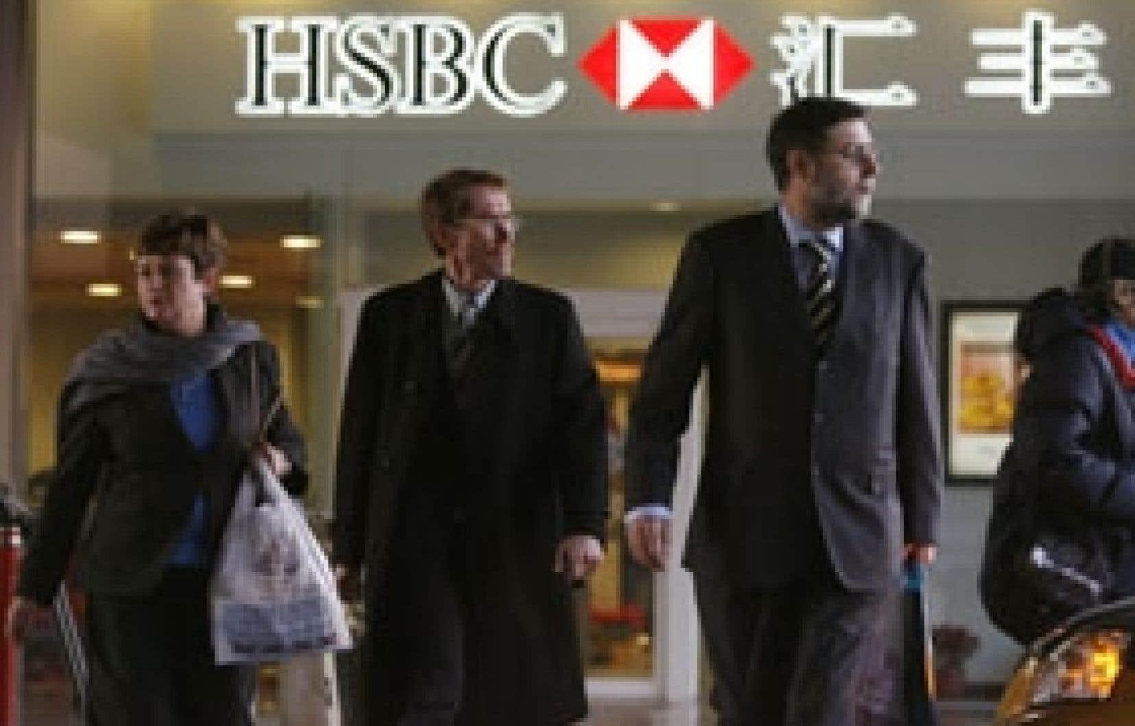 Dès l'annonce des nouvelles règles, plusieurs banques étrangères avaient annoncé leur volonté d'établir des filiales de droit chinois, dont la HSBC.