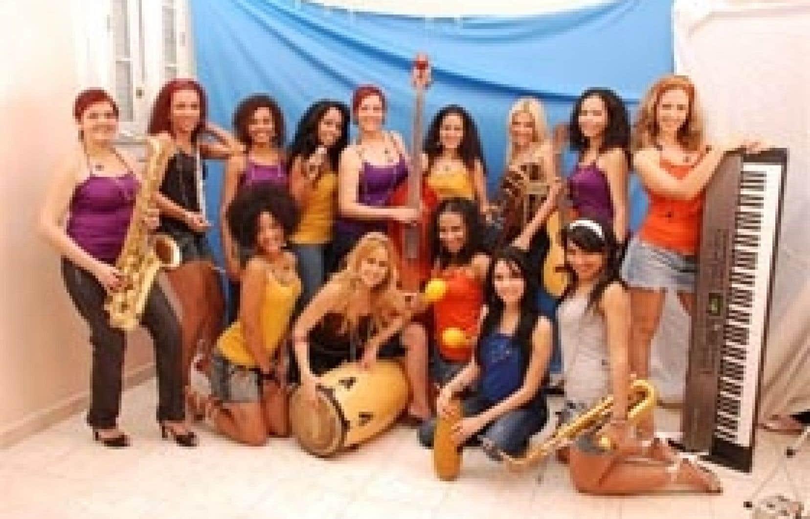 Les musiciennes de l'orchestre Anacaona