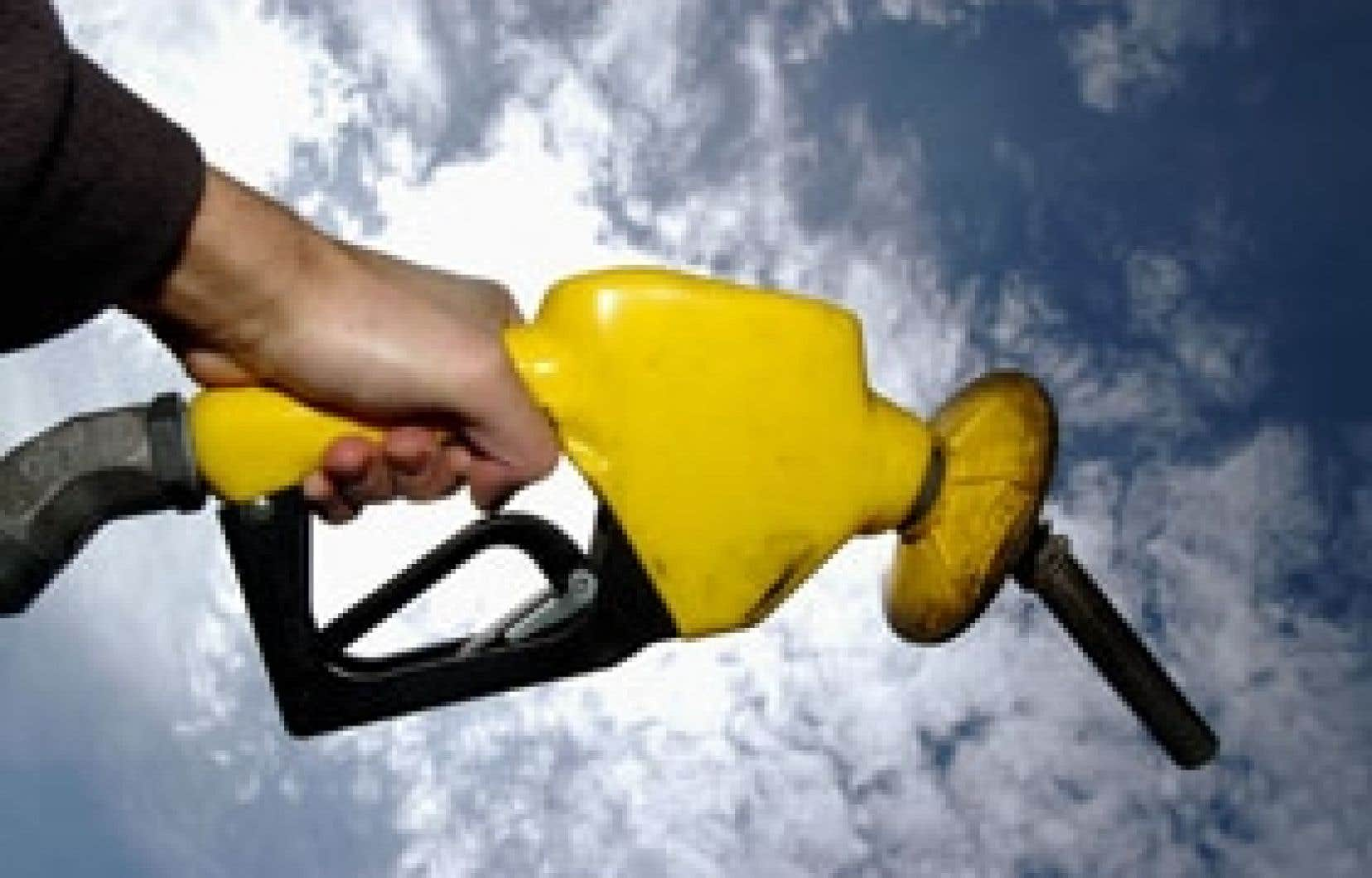 Pour les pétrolières, la redevance pour financer le Fonds vert représente une somme entre 100 et 120 millions par an. Mais ce sont les automobilistes qui risquent d'assumer la facture.