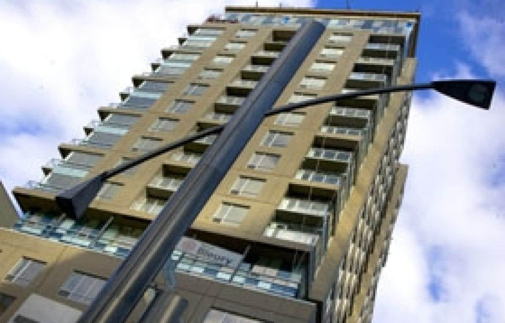 En septembre, le centre-ville de Montréal comptait 400 condos inoccupés ainsi que 1800 condos en construction, selon les données recueillies par la SCHL.