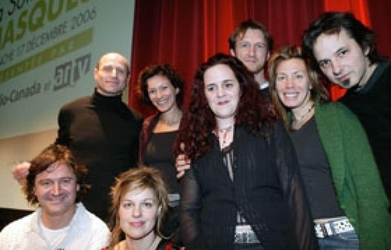 Huit des neuf membres de Momentum qui assurera l'animation de la 13e Soirée des Masques présentée le 17 décembre.