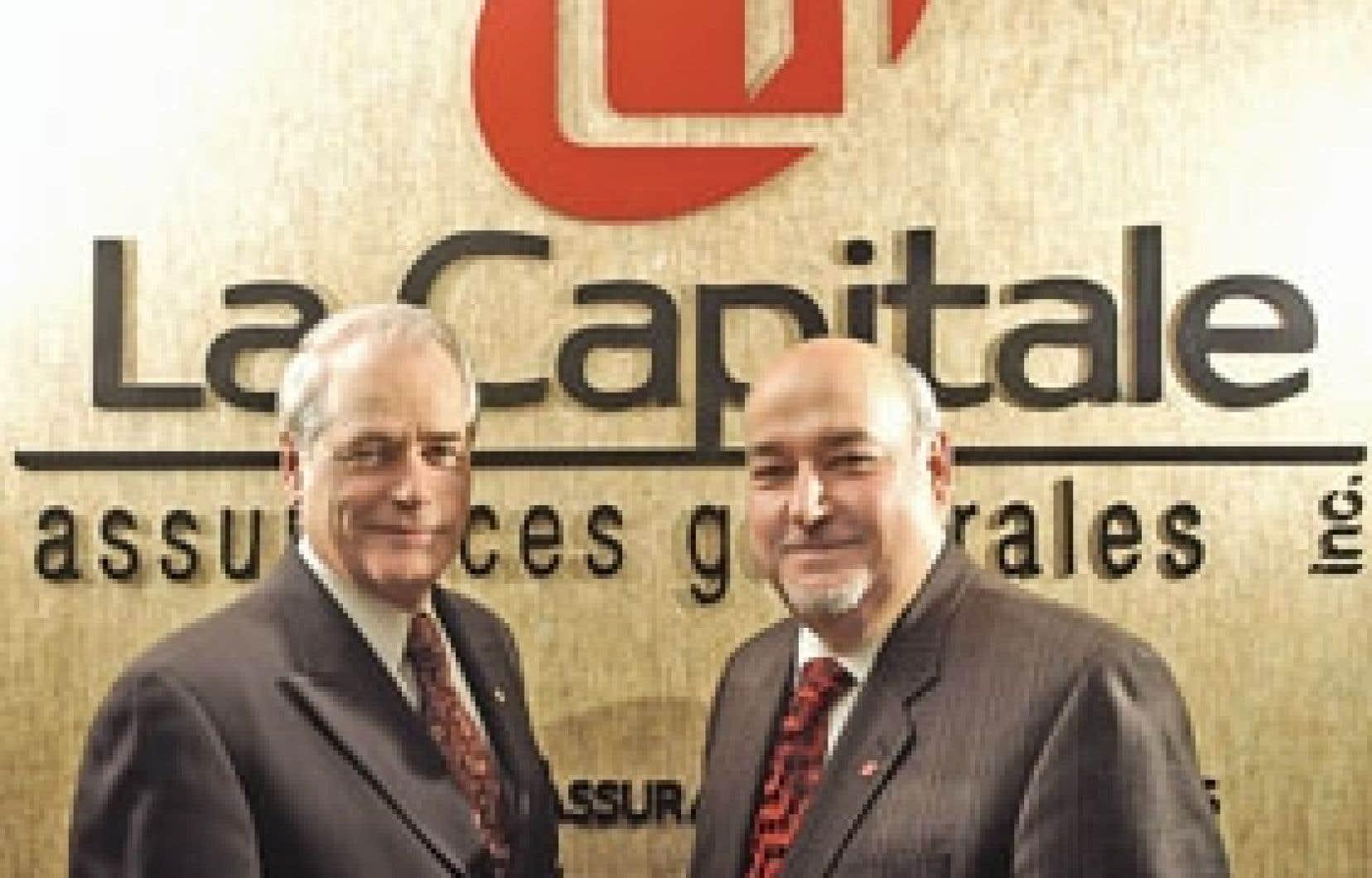 Jean-Yves Dupéré, président du conseil et chef de la direction de La Capitale, et Réal Circé, p.-d.g. de La Capitale assurances générales. «Nous sommes en mode d'acquisition, mais avec prudence. Nous n'avons pas besoin d'impressionner le mo