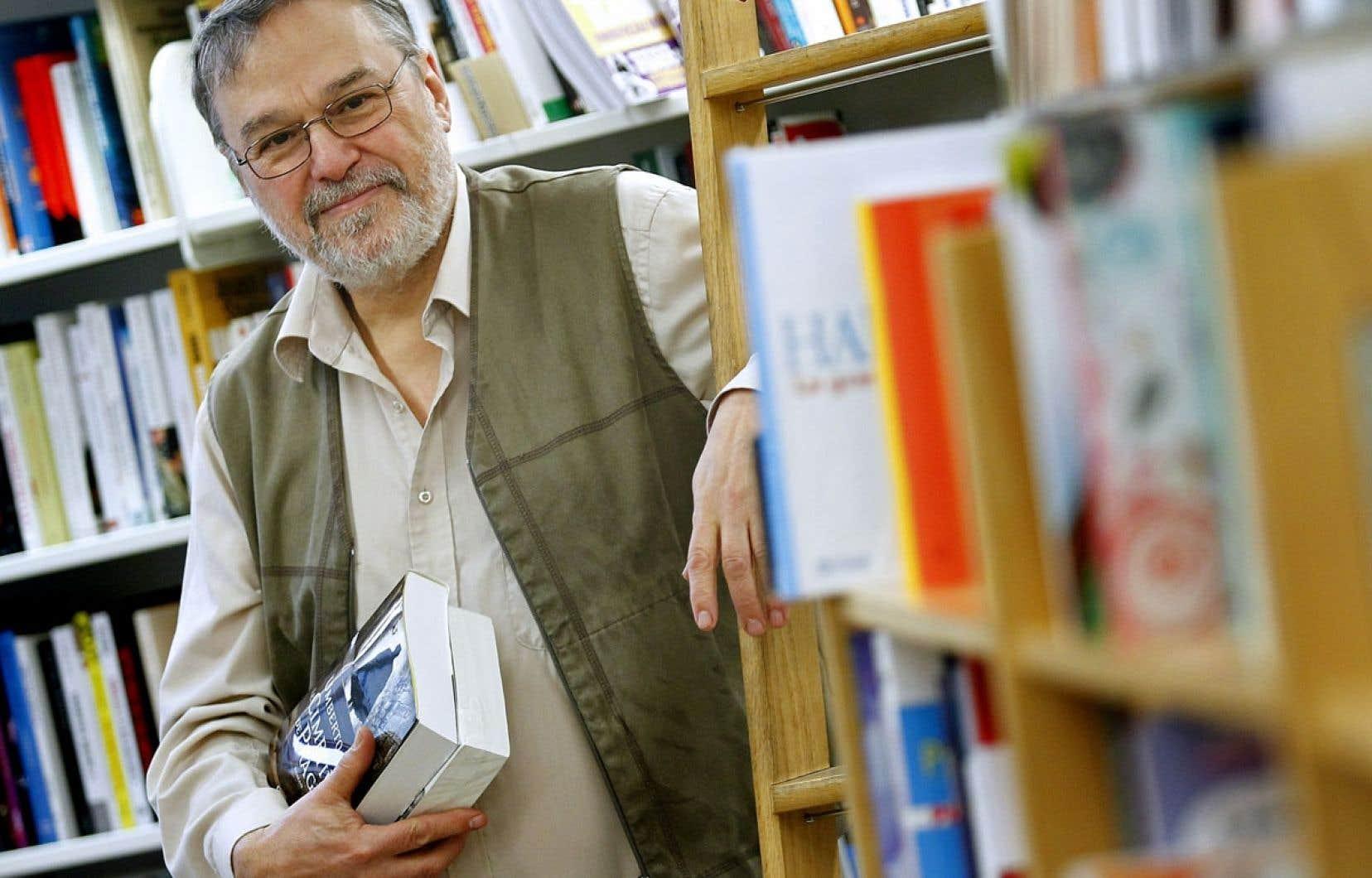 Denis LeBrun (notre photo) et Claire Taillon, les propriétaires de la librairie Pantoute, ont trouvé la formule qui leur permet aujourd'hui de passer le flambeau à leur personnel.