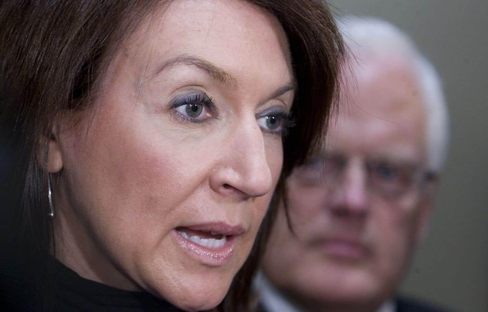 Des fonctionnaires et des élus provinciaux, dont Nathalie Normandeau, sont visés par cette enquête, révèlent des nouveaux documents judiciaires obtenus par un consortium de médias, dont fait partie Le Devoir.