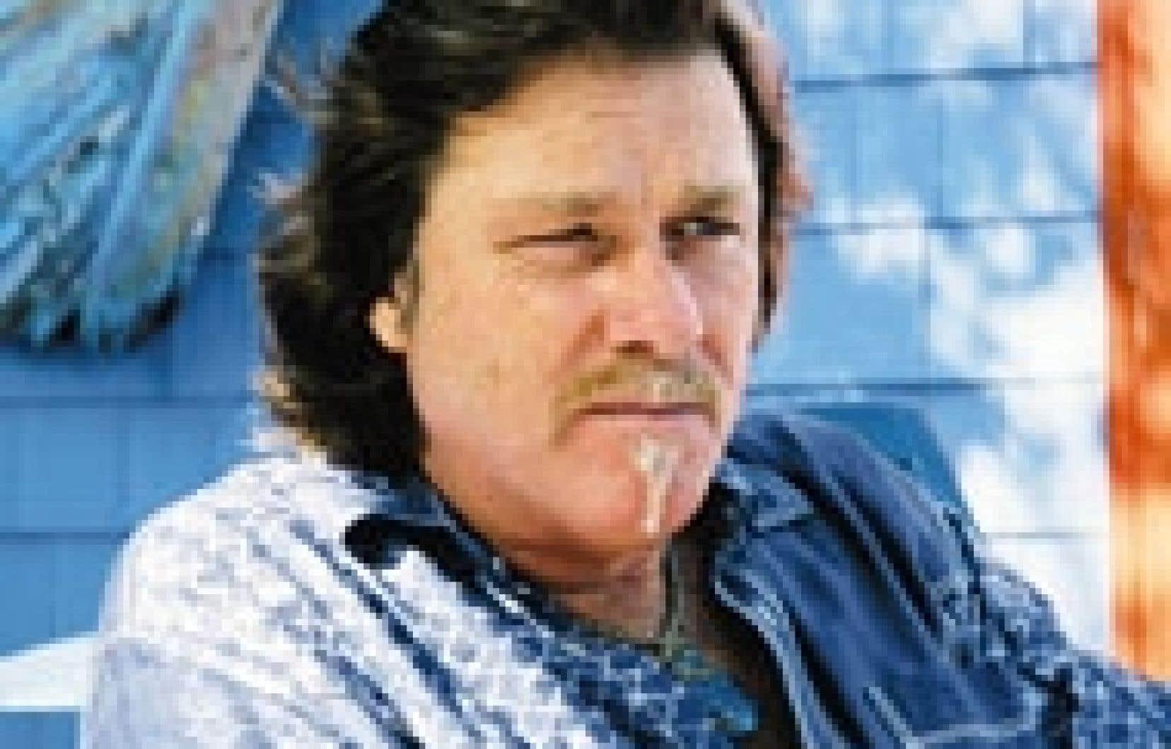 L'écrivain Sylvain Rivière