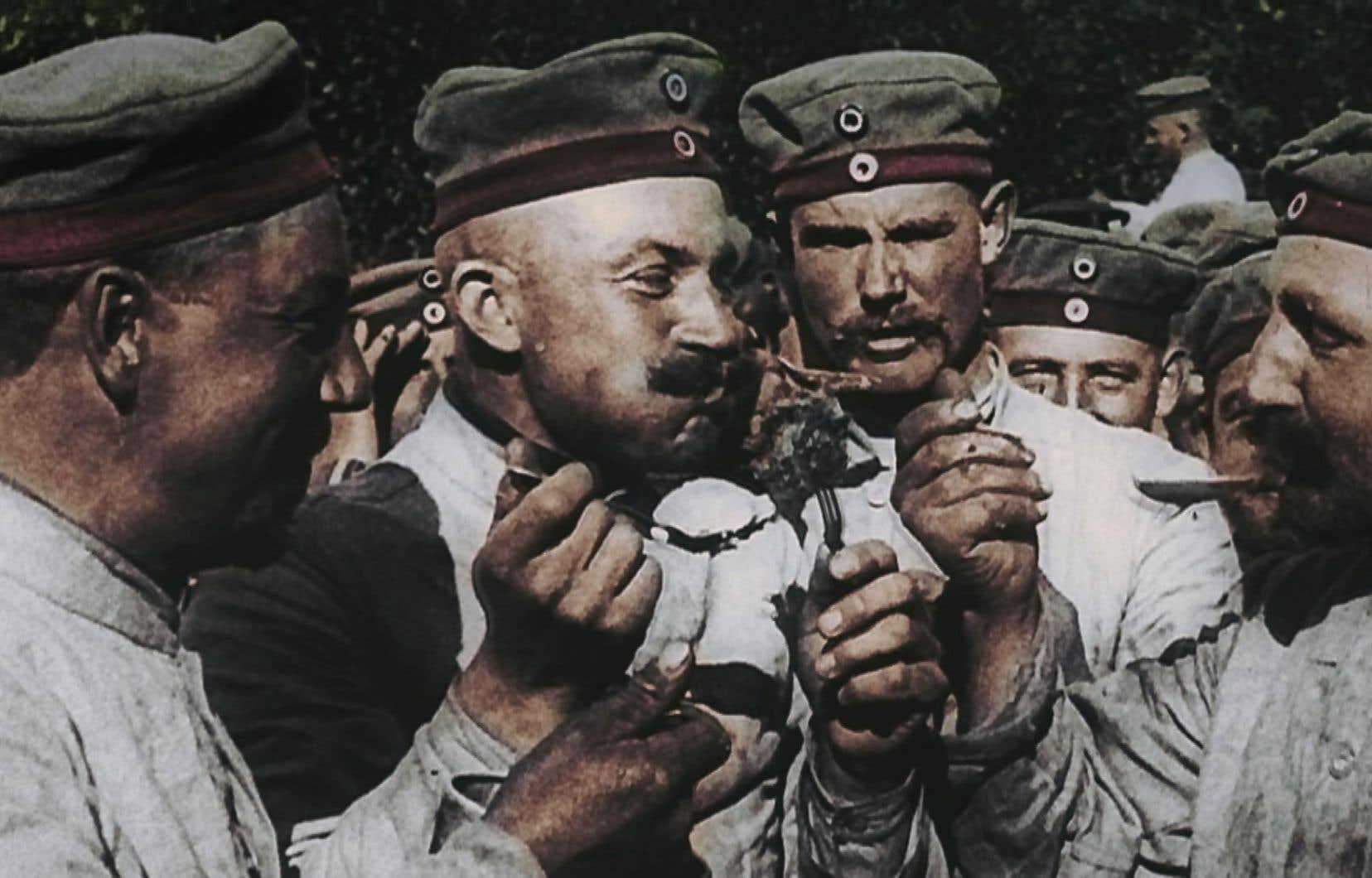 La bonne humeur de ces soldats allemands sera de courte durée: dans quelques jours ils vont affronter sur le front russe les soldats de l'armée du tsar.