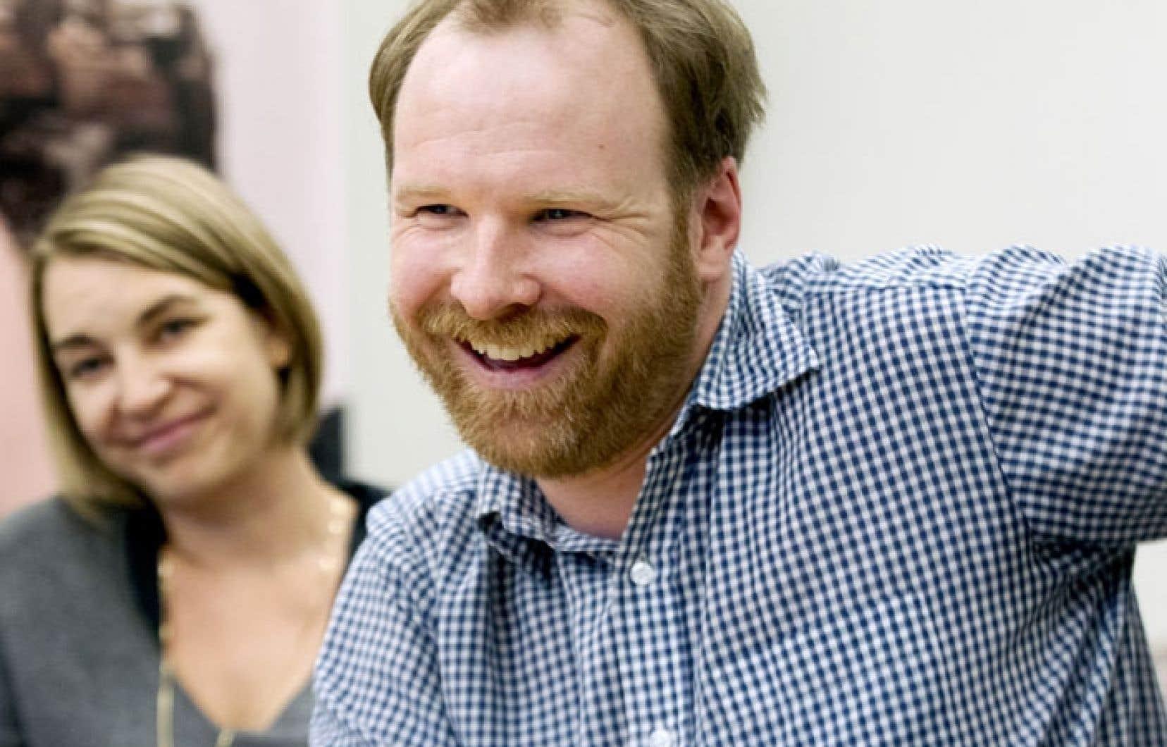 Stéphane Lafleur, en compagnie de Kim McCraw, productrice de Tu dors Nicole.