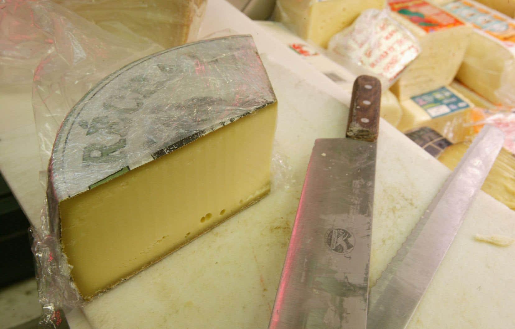 Des fromagers du Québec s'inquiètent des conséquences négatives pour eux de l'accord de libre-échange conclu entre le Canada et l'Union européenne.