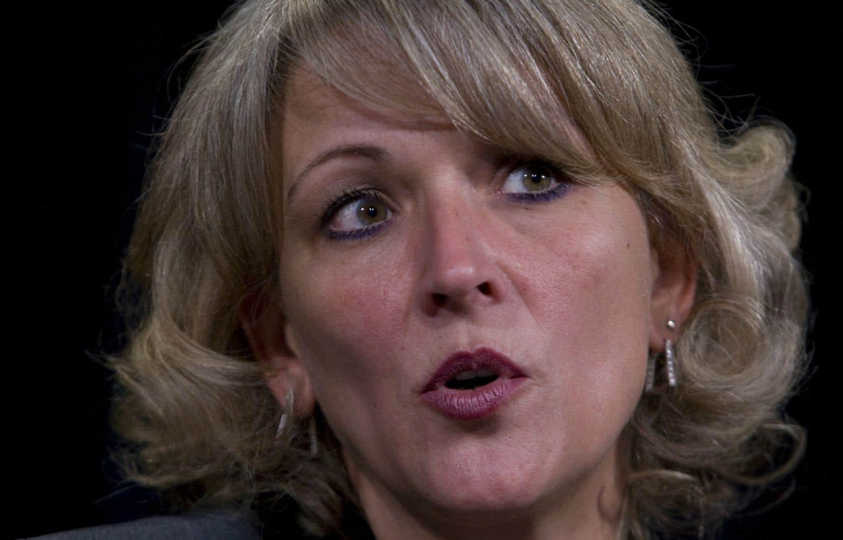 La ministre de la Sécurité publique, Lise Thériault, a dit qu'il n'y avait aucune discussion, à l'heure actuelle, visant à demander au directeur général de la SQ <em>«de quitter ou de rester» </em>en poste.