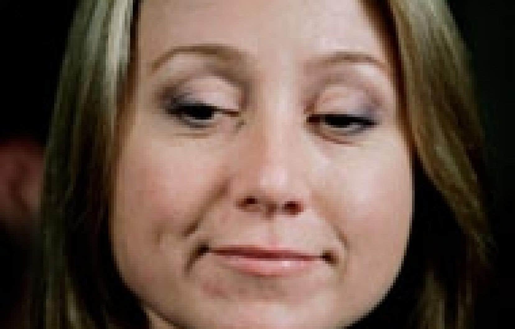 Le nom de Belinda Stronach a été mentionné comme étant la femme avec laquelle Tie Domi a commis l'adultère.