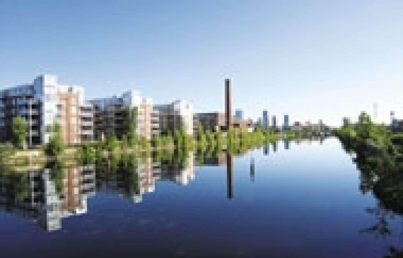 Les résidants des condominiums du Quai des éclusiers ont accès au canal Lachine. Source: Quai des éclusiers