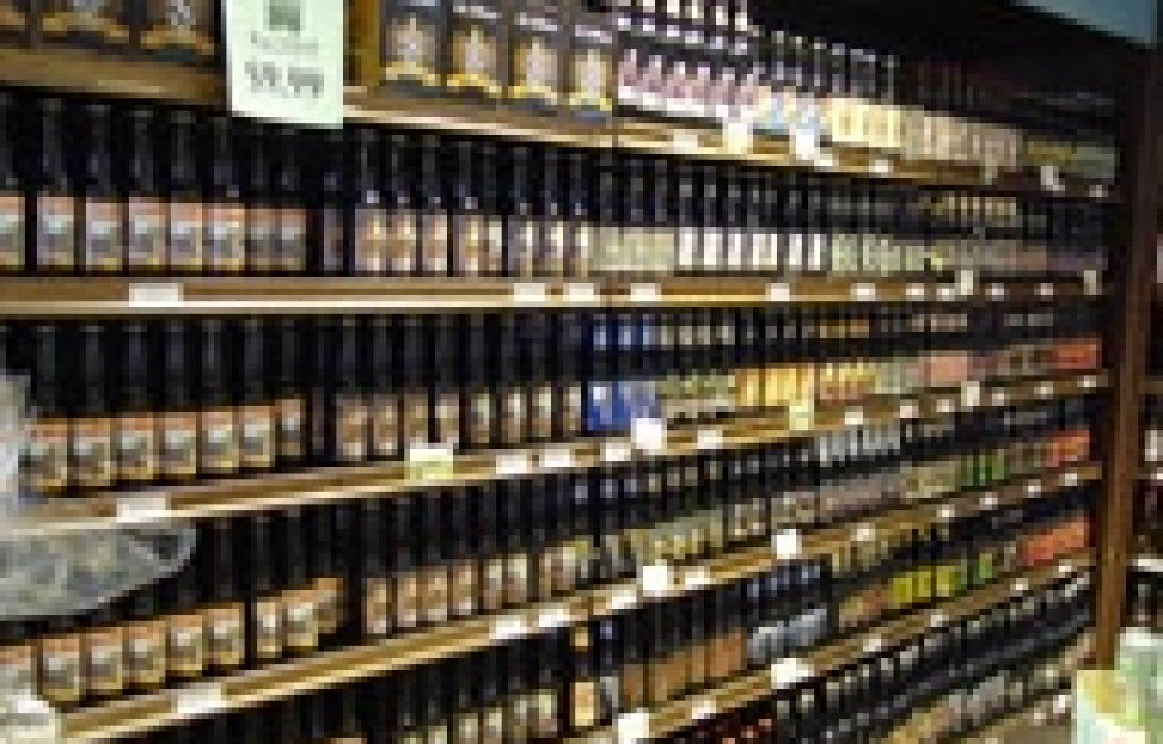 La boutique Le Sixième Continent, au nouveau marché couvert de Sorel, offre un choix unique de 225 bières, dont 80 % proviennent de brasseries et de microbrasseries du Québec.