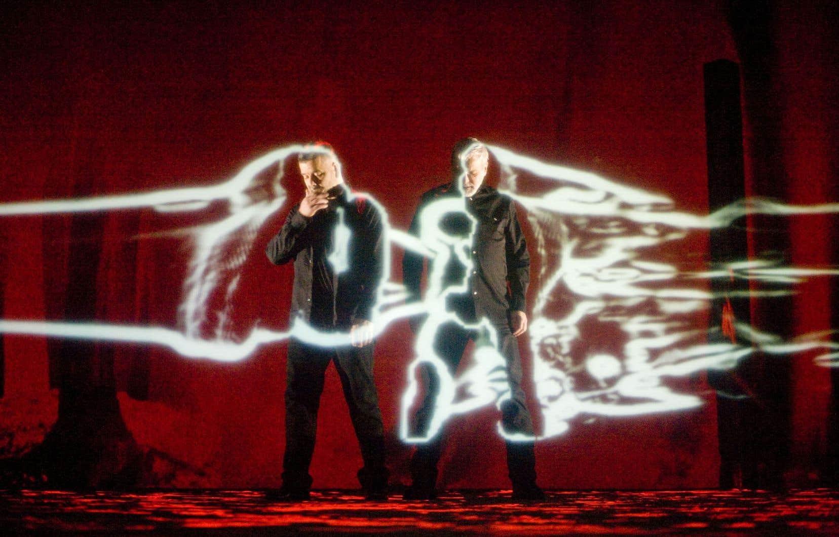 Le Musée des beaux-arts de Montréal présente l'installation rétrospective honorant les trente ans de création du duo de Michel Lemieux et Victor Pilon.